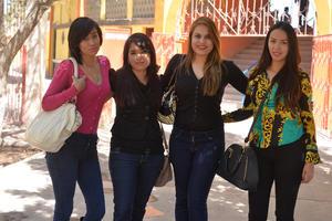 11022017 Andrea, Evelyn y Karla.