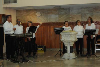 """La Catedral del Carmen """"vibró"""" con la entonación del Himno.."""