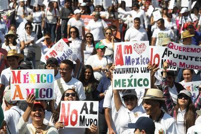 """La marcha fue convocada por las redes sociales con el emblema de """"#VibraMéxico"""" en Ciudad de México, Mérida (Yucatán), Villahermosa (Tabasco), Guadalajara (Jalisco), Monterrey (Nuevo León), Hermosillo (Sonora), Colima (Colima), León e Irapuato (Guanajuato) y Morelia (Michoacán)."""