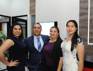15022017 América, Omar, Inés y Karis.