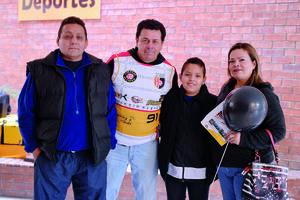 15022017 CASA ABIERTA.  Jorge, Marco, Joel y Yadira.