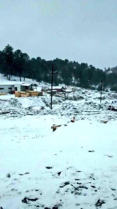 También amaneció nevado en Ciénega de la Vaca. (JUAN PALMA)