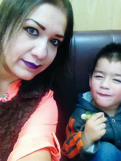 16022017 Alejandra con su hijo, Paquito.