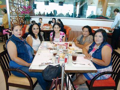 16022017 Rosa Mayela, Martha Alejandra, Martha, Selene y Denisse.