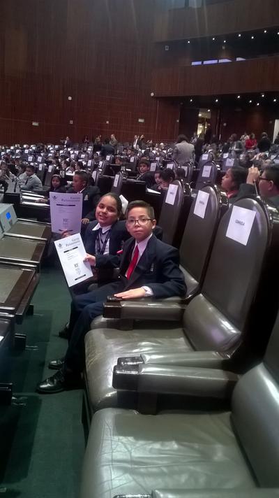 El niño acudió al Palacio Legislativo de San Lázaro participando en varias comisiones.