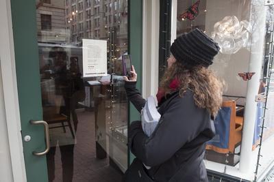 El restaurante del 'Oyamel Cocina Mexicana' fue cerrado en solidaridad con la protesta 'Día sin inmigrantes' en Washington.