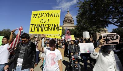 Inmigrantes marcharon en Texas durante este día de protestas.
