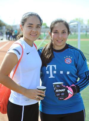 17022017 Ana Carolina y Ana Cristina.