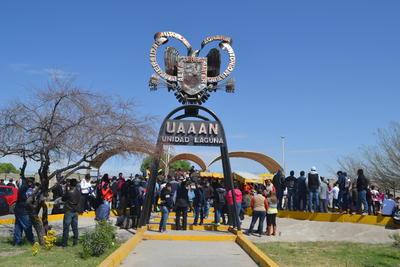Duarte Salazar informó que la huelga es indefinida y que al menos en la Unidad Laguna, se contabilizan unos 580 miembros del SUTAUAAAN.