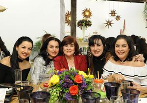 Lorena, Mónica, Gabriela, Gaby y Angelina