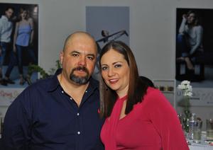 Gabriel Gaytán y Mayela Sánchez