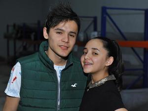 Miki y Ximena Garza