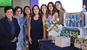 Con las organizadoras, Lety Gutiérrez, Bety de Gutiérrez, Graciela de Canales, Mariana, Alicia e Isabel Canales