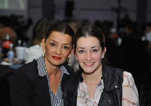 Estela González y Mariana Veyán