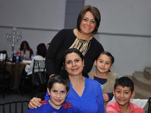 Gazi, Mónica, Pablo, Erika y Catalina