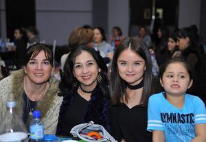 Loreto, Sara, Sari e Isa
