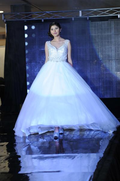 Los asistentes encontraron los vestidos de novia y de quince años más exclusivos de los diferentes diseños.
