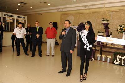 Gustavo Torres, gerente comercial de El Siglo de Torreón, dio la bienvenida a los asistentes.