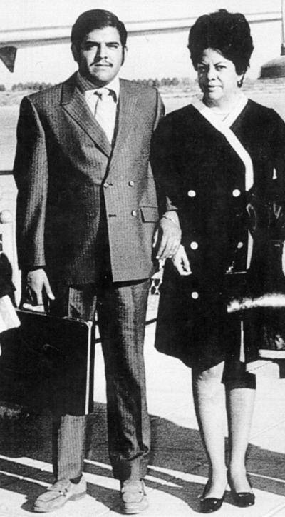 19022017 Alicia Torres de Muñoz con su hijo, Serafín Muñoz Torres, en los años 40.