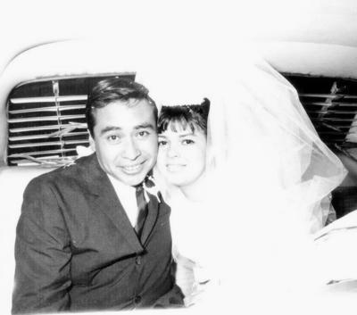 19022017 Sr. Alfredo Alarcón Guerra y la Sra. Alicia Delgado Ríos    celebrando 50 años de matrimonio.