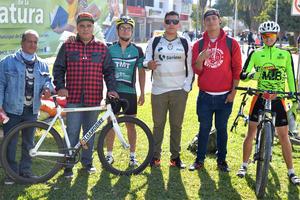 20022017 EN PASEO COLóN.  Leonel, Juanito, Daniel, Antonio, Jesus y Ricardo.