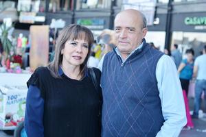 20022017 EN PAREJA.  Patricia y Roberto.