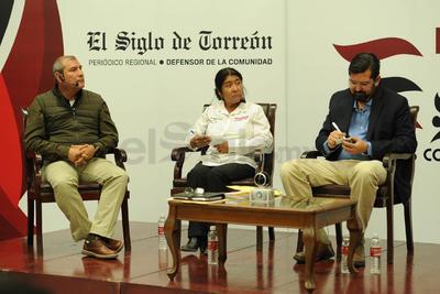 Al finalizar, respondieron preguntas del público que siguió el Encuentro en radio y redes sociales.