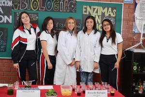 21022017 Alumnas del plantel educativo.
