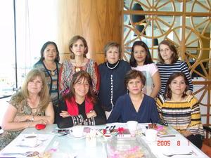 22022017 ENTRE AMIGAS.  Tere, Agus, Sary, Lety, Lupita, Maye, Marce, Doris y Carmina.