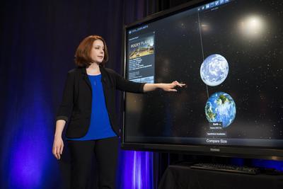 Los siete exoplanetas, detectados con el Telescopio espacial Spitzer de la Administración Nacional para la Aeronáutica y el Espacio (NASA) y varios observatorios en la superficie terrestre, se encuentran cerca uno de otro y de su estrella.