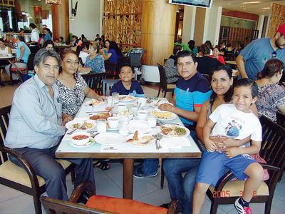 23022017 Ramiro, Olga, Bastian, Federico, Alejandra e Iker.