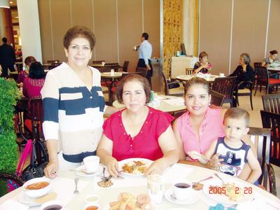 23022017 Natividad, Evangelina, Mayra y José Carlos.