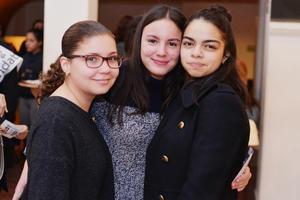25022017 Marifer, Sara y Rebeca.