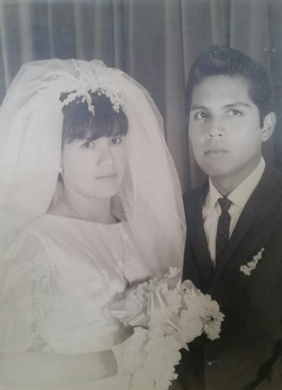 27022017 María del Rosario Ávila Morales y Jesús García Sifuentes el día de su boda, el 5 de febrero de 1967, quienes este año 2017 celebran sus bodas de oro.