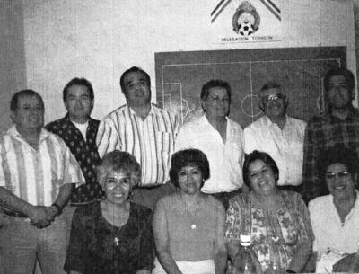 26022017 Tomás Hernández, Fermín Hermosillo, Jesús López, Tito Araujo, Jesús Vega, Matías Ortega (f), Toña Chávez, Estela Barrón, María Luisa de Anda y Rosa María Díaz, exalumnos de la Comercial Treviño Generación 1961.