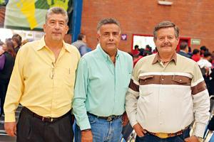 26022017 EN RECIENTE EVENTO.  Jaime, Manolo y Raymundo.