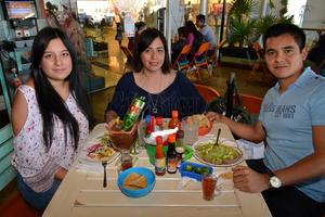 Alejandra, Sandoval, Conny Martel y Héctor Sandoval.