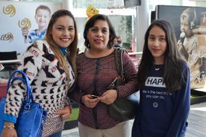 Janeth, Manuela y Regina.