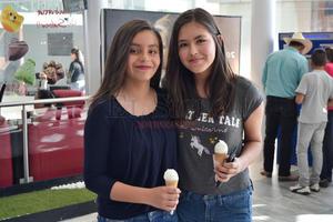 Vanessa y Alexa.