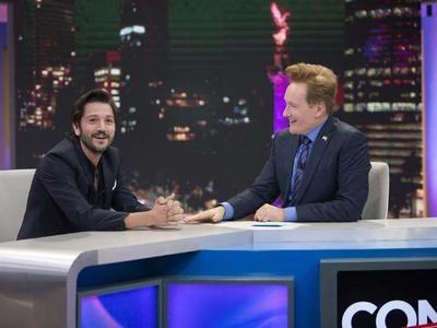 El programa de O'Brien tuvo de invitado especial a Diego Luna.