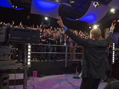 Con el humor que se le caracteriza, Conan O´Brien hizo disfrutar de su show a todo el público y televidentes de México y EU.