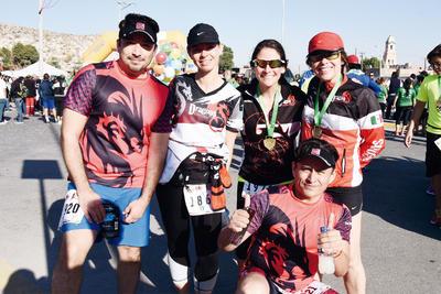 02032017 Gaby, Lorenia, Doris, Salvador y Germán.