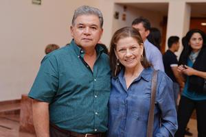 02032017 EN PAREJA.  Luis y Reyna.
