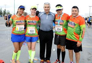 Brenda, Mary Carmen, Alberto, Lalo Reza y Lalo Salazar