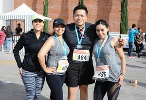 Paola, Emilio, Mary y Gaby
