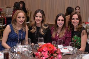 Liz, Yosy, Vika y Luisa