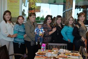 04032017 UN AñO MáS DE VIDA.  Nelly Escamilla celebró su cumpleaños en compañía de Norma, Raquel, Conchita, Santi, Xóchitl, Jenny y Minerva.