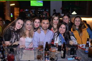 04032017 UNOS DíAS EN LA LAGUNA.  Luis García llegó de Madrid y aprovechó para reunirse con sus amigas: Tania, Gina, Yissa, Claudia, Cynthia y Liliana.