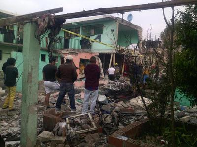 El gobierno del Estado de México informó que subió a cuatro la cifra de personas fallecidas y disminuyó a seis el número de lesionados.