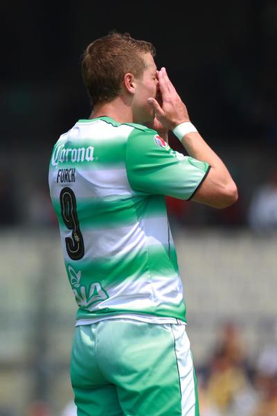 Los albiverdes no pudieron defender su racha sin derrotas y cayeron 2-1 ante los felinos en la novena jornada del torneo Clausura 2017 de la Liga MX.